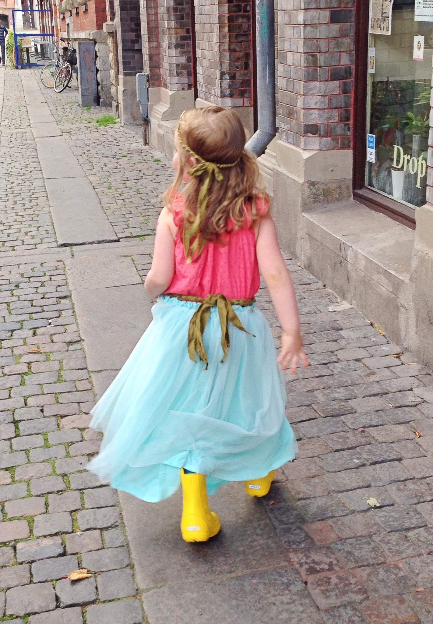 makeshift_mermaid_princess_rainboots_back.JPG